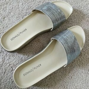 Donald Pliner Platino Glitter Fiji Leather Sandals